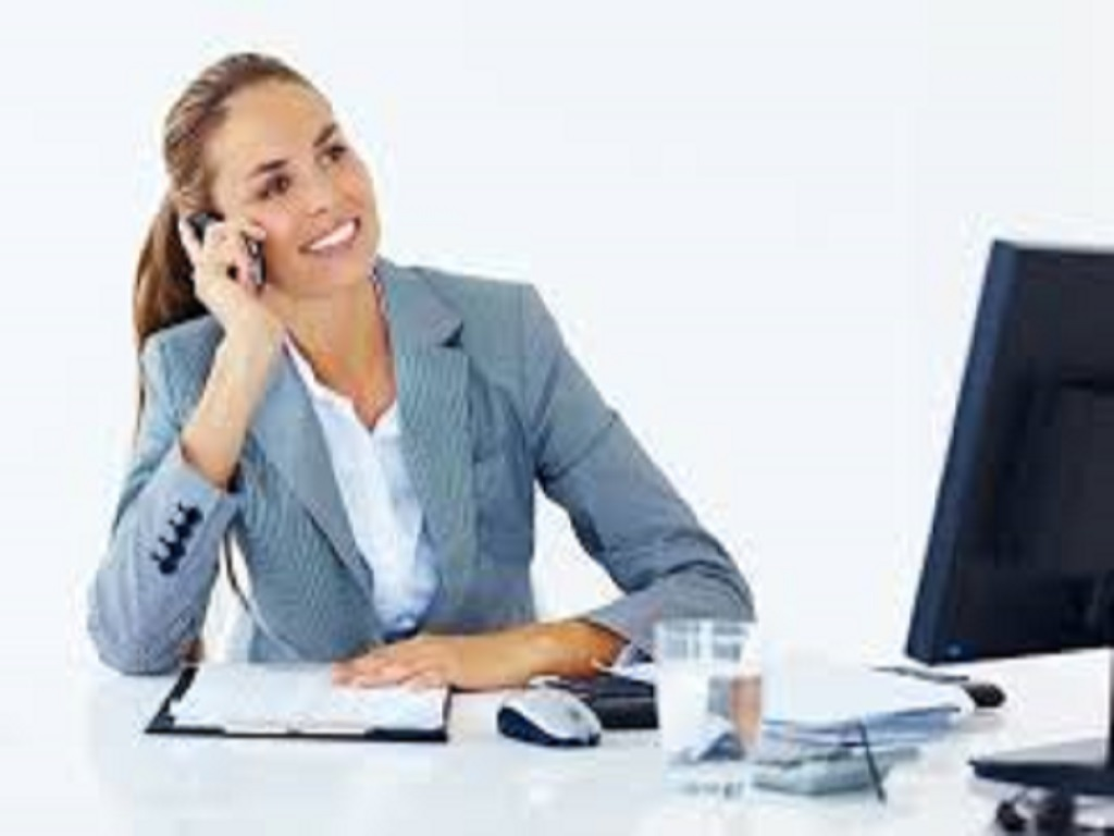 business-woman-on-phone-at-desk